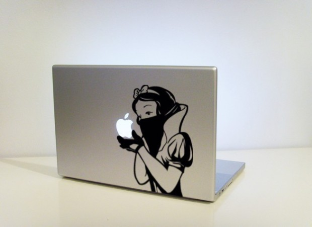 snow-whites-revenge-macbook-mod