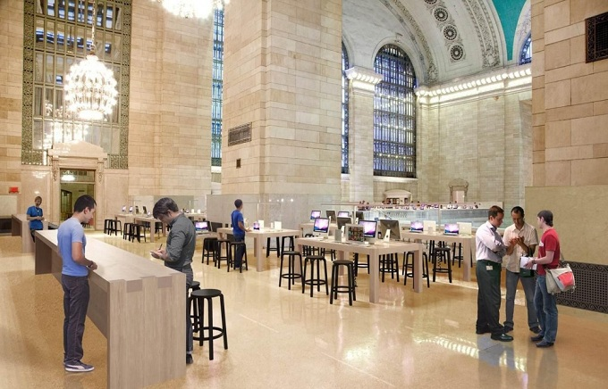 Global triple play: New Apple Store openings Saturday in US, UK and
