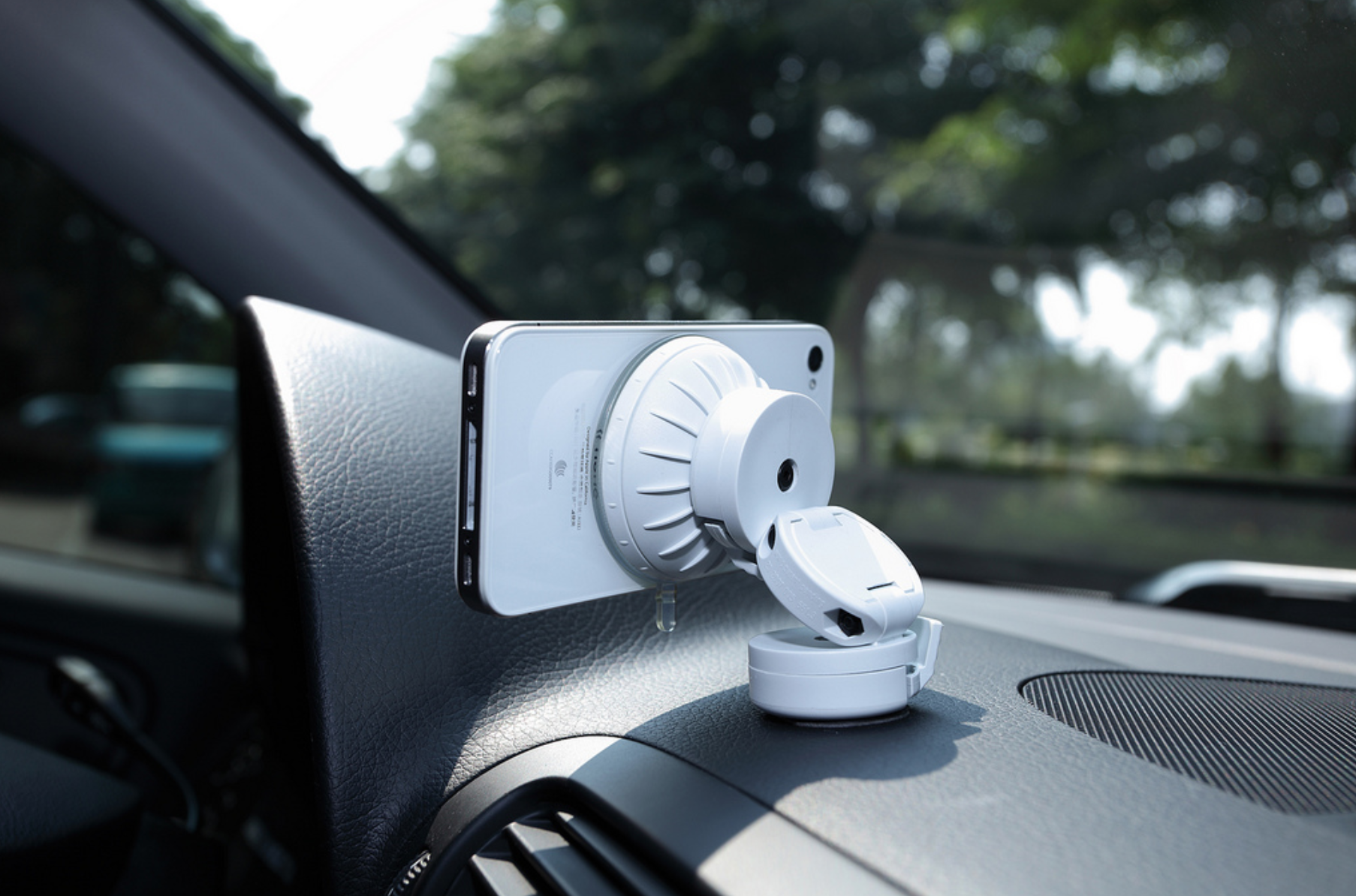 1d54890df47b0f Just Mobile Xtand Go car mount for iPhone (mini review) - 9to5Mac