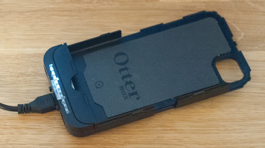 low priced 51b13 3f324 Review: Otterbox Defender iON powered iPhone case - 9to5Mac