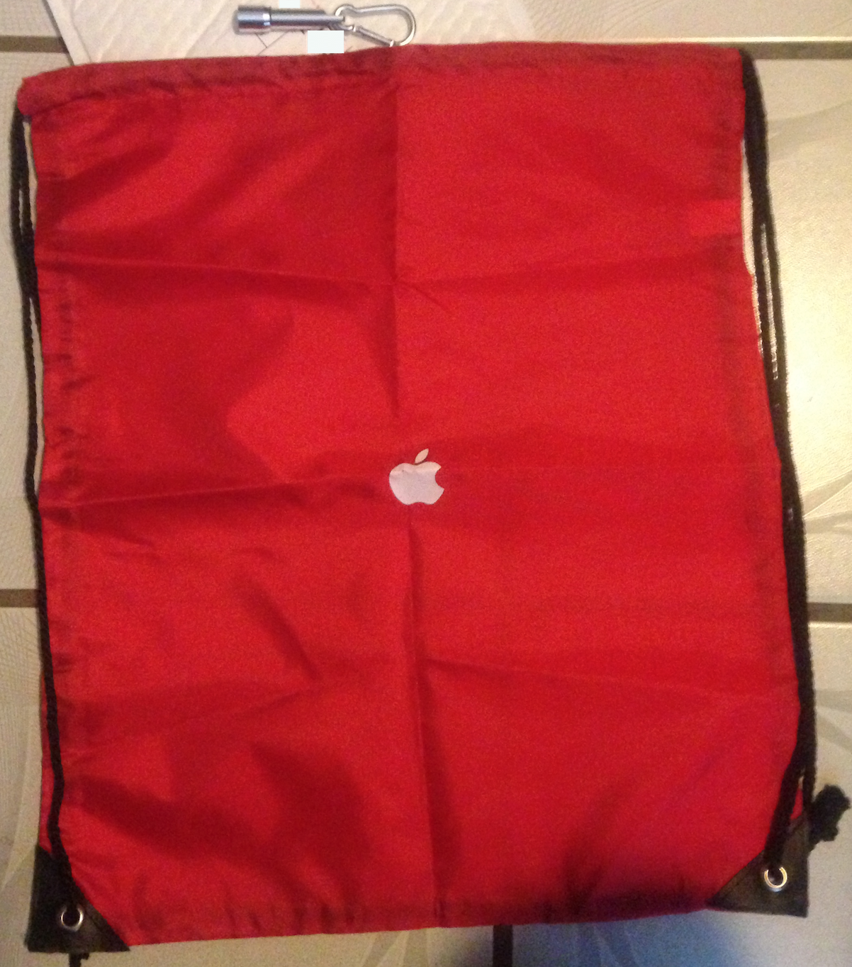 Apple employees get small gift: colorful bag & flashlight - 9to5Mac