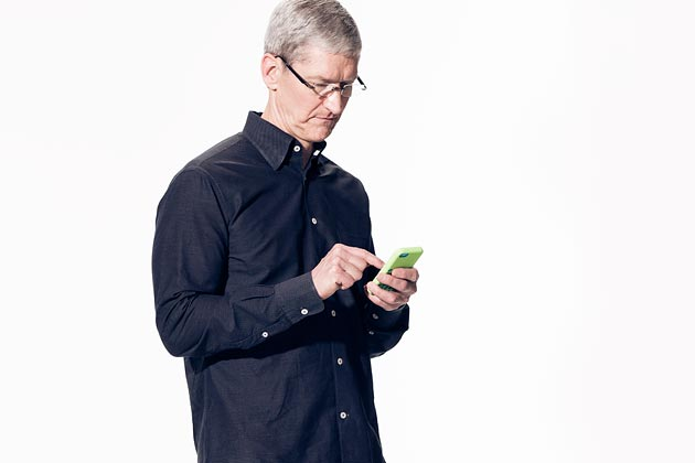0919-tim-cook-iphone-630x420