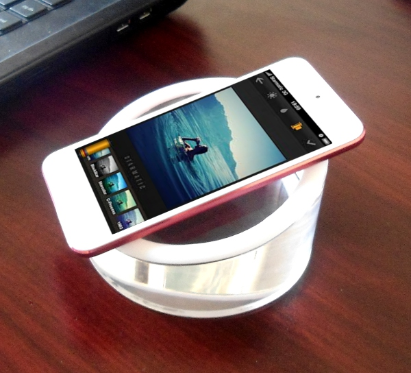 newpcgadgets-iphone-stand-giveaway