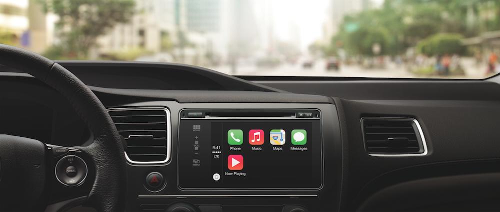 Apple-CarPlay-dash