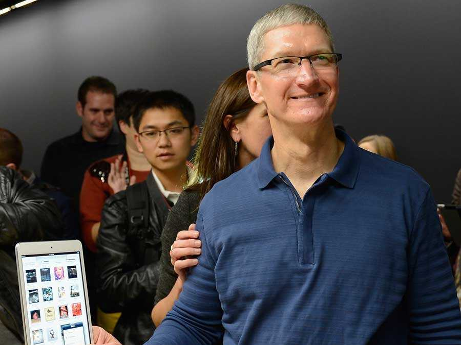 Apple CEO Tim Cook says everyone should do 80 percent of their work on an iPad, just like him