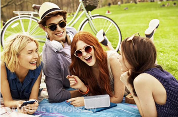 Everyone-laughs-at-Samsung-02