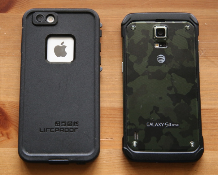water-proof-iPhone 6 next to Galaxy S sport