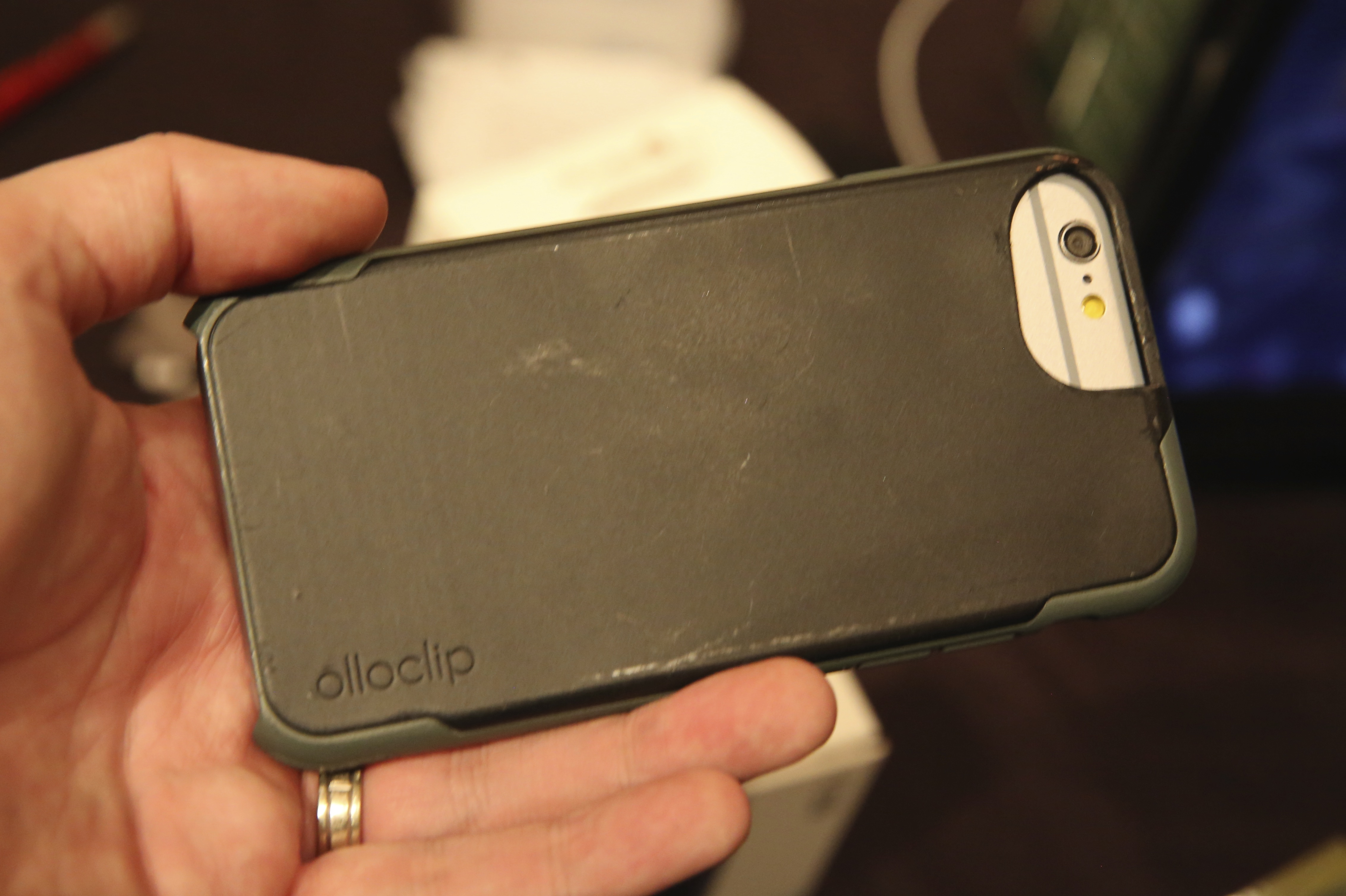 free shipping d3fcf 11f9c CES 2015: Olloclip debuts 2X telephoto lens + CPL for iPhone 6/6 ...