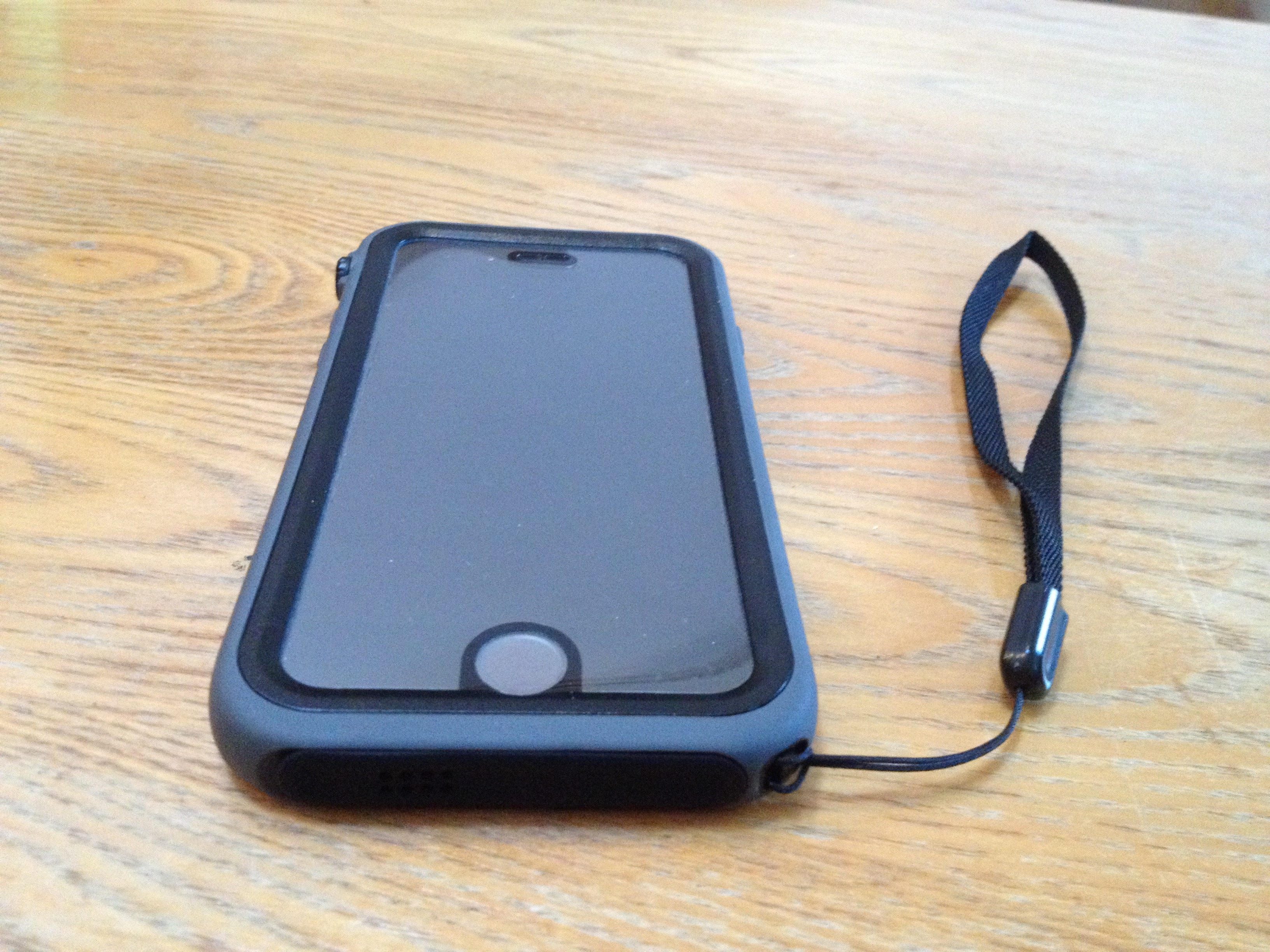 Review  Catalyst for iPhone 6 - Offers protection for your active ... 3ac8066b8fecb