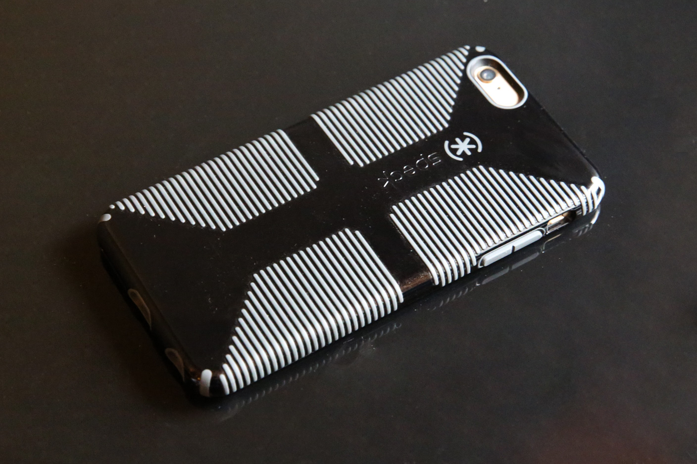 online store 20e57 b5409 Review: Speck's CandyShell Grip + Inked offer ideal iPhone 6 Plus ...