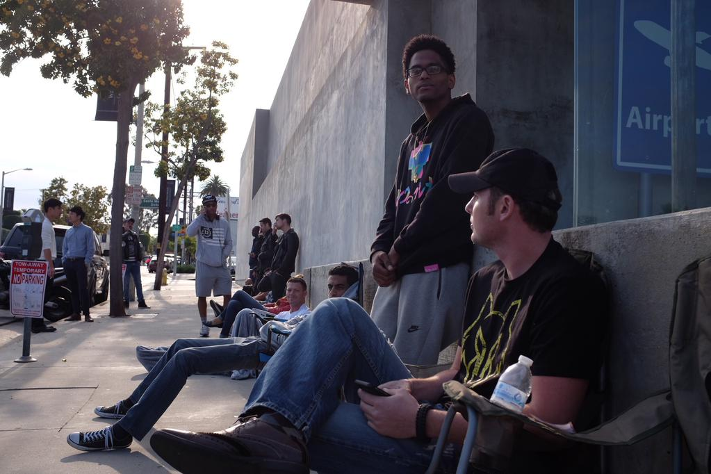 Customers wait in line outside Maxfield in Los Angeles (via CNET)