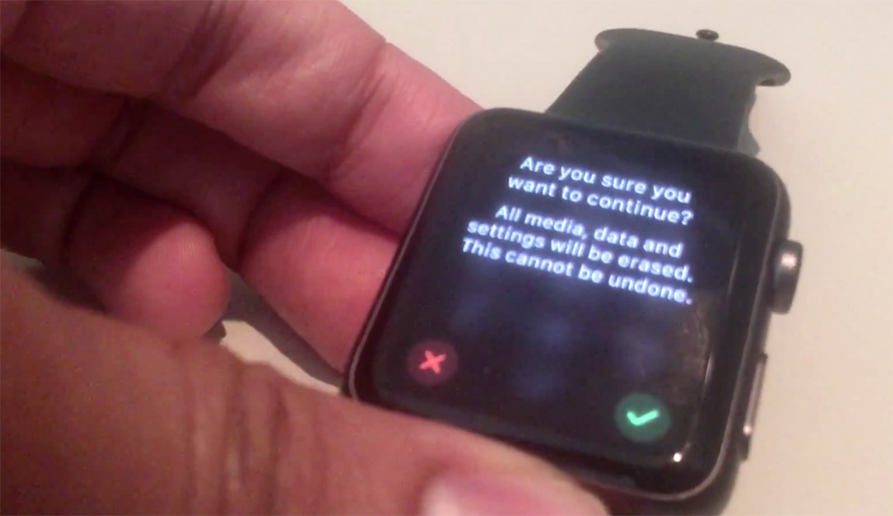 Thieves can bypass Apple Watch passcode to pair a stolen watch with their  own phone - 9to5Mac