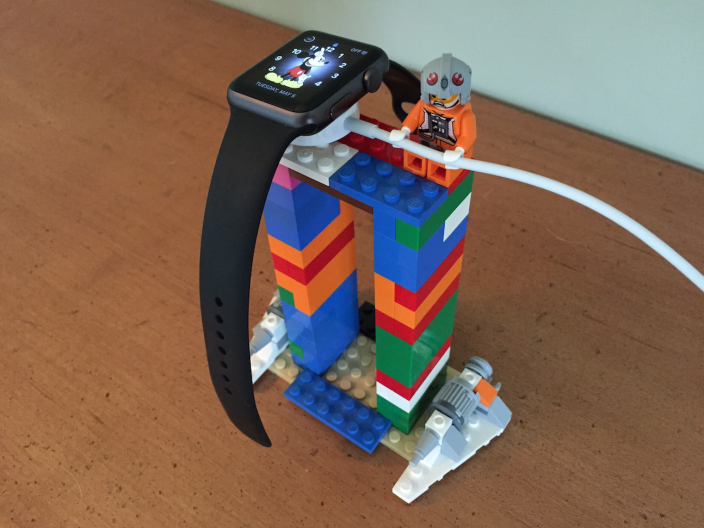 apple-watch-stand-lego-3
