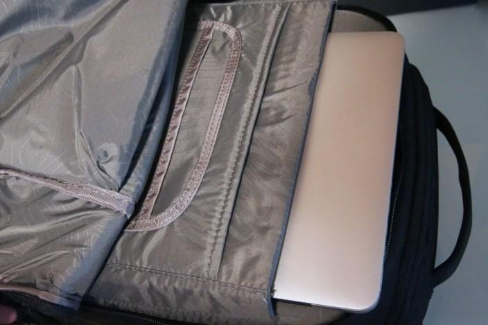 incase-camera-bags-13
