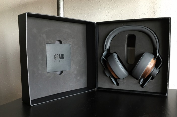 grain-audio-wooden-9to5toys-giveaway