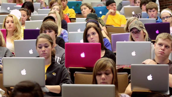apple-college-kids