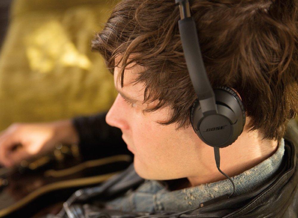 bose-soundtrue-headphones