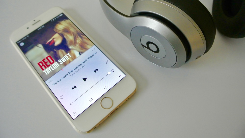 Taylor Swift Apple Music iPhone 6 Beats 21