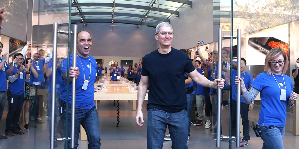 California court says Apple must pay retail workers for time spent waiting on bag searches - 9to5Mac