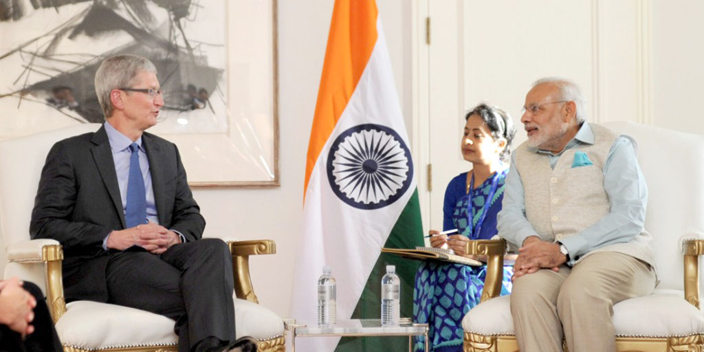 The Apple CEO, Mr. Tim Cook calling on the Prime Minister, Shri Narendra Modi, in San Jose on September 26, 2015.