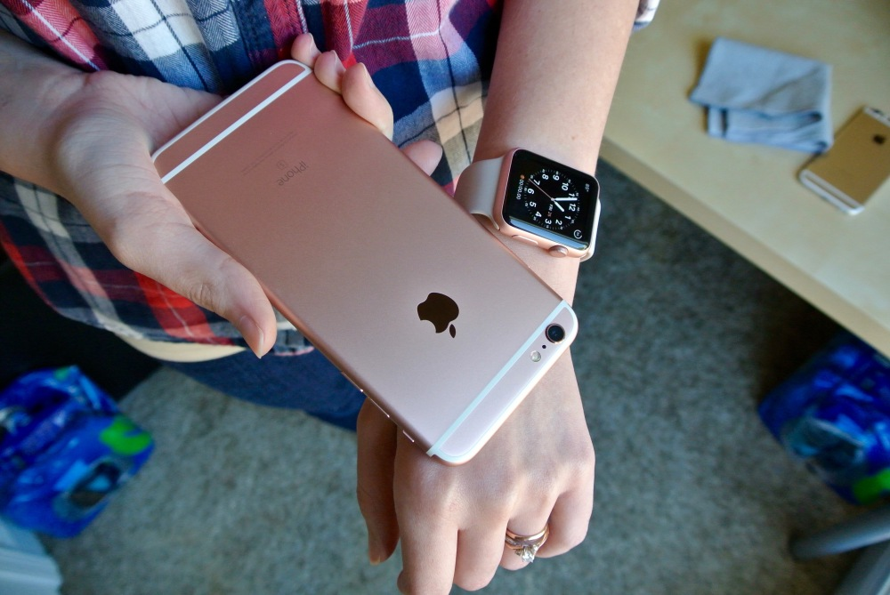 Rose Gold iPhone 6s Plus Apple Watch