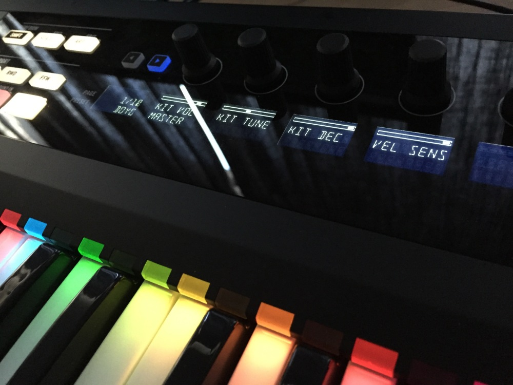 The Logic Pros-Kontrol S49-03