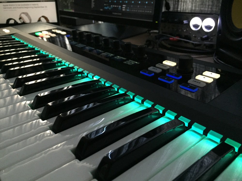 The Logic Pros-Kontrol S49-05
