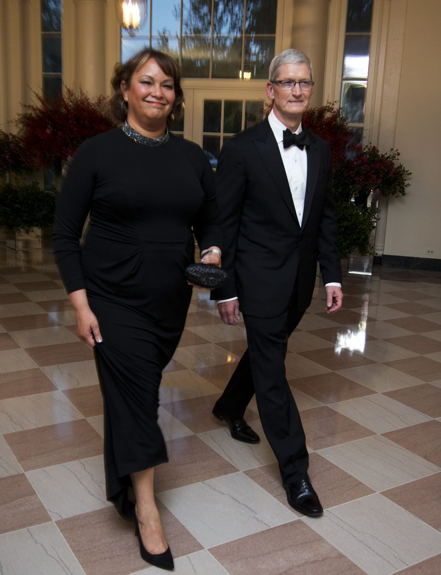 Tim-cook-lisa-jackson-state-dinner