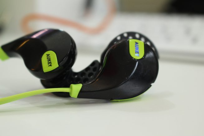 Review: Aukey wireless sport earphones will stay in your