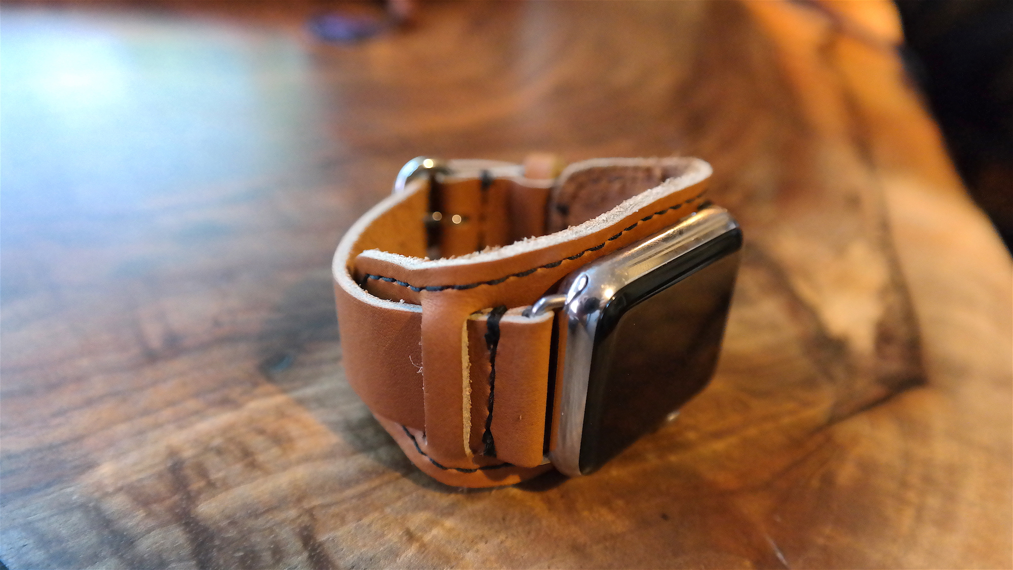 62e2fc82c04 Review  Pad   Quill s new Apple Watch band takes on the Hermès cuff ...