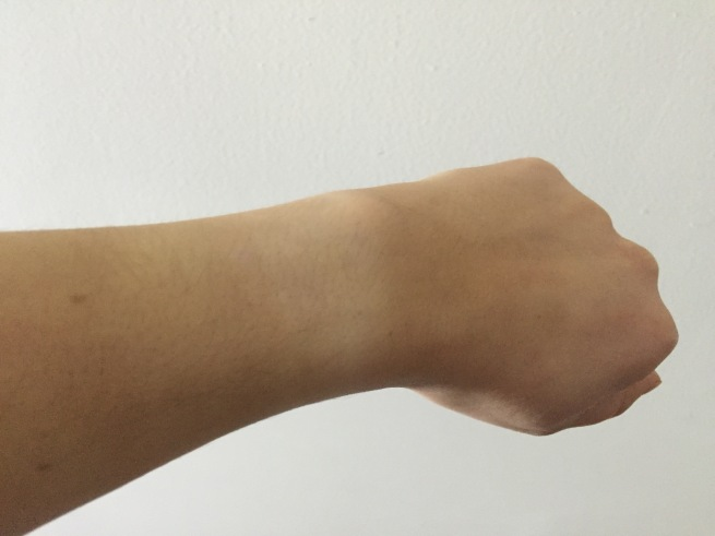Awful Apple Watch tan line