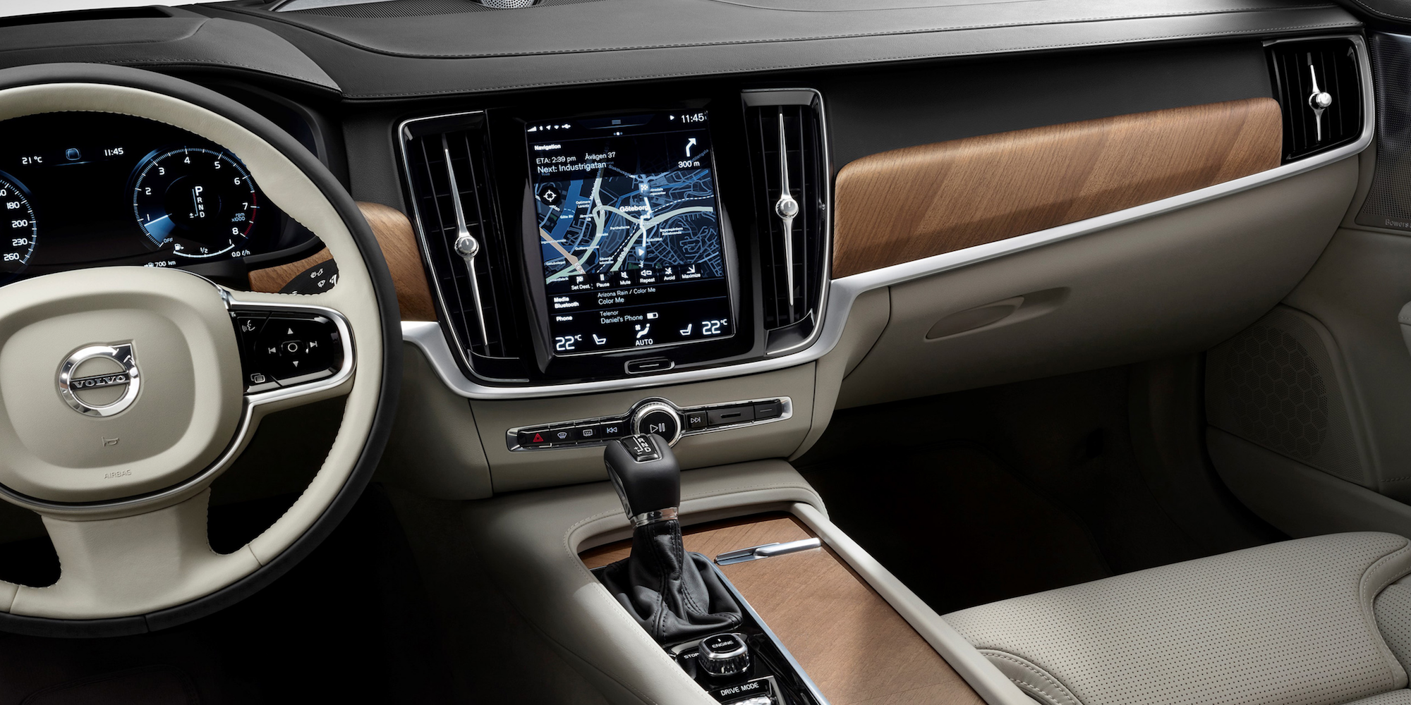 Volvo-CarPlay-V90-Estate
