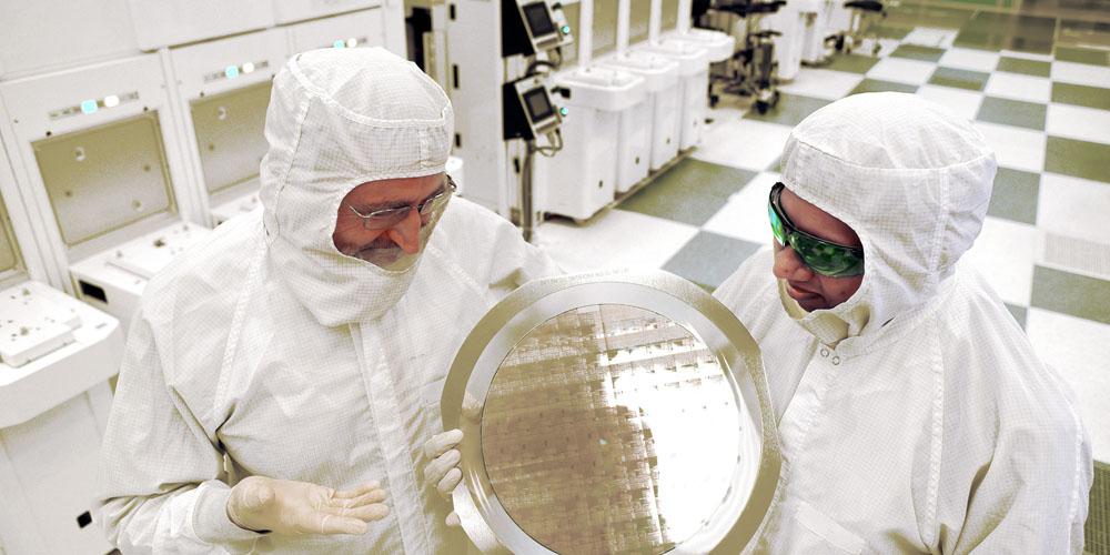 ibm-7nm-chip-wafer-100595653-orig