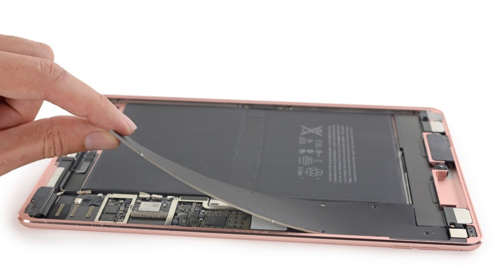 iPad Pro 9.7-inch iFixit
