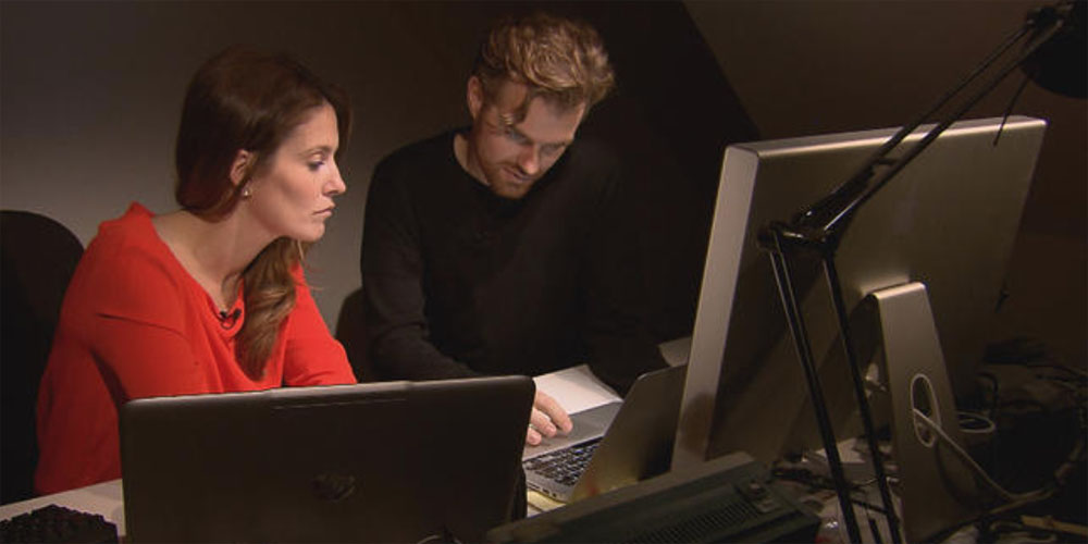 CBS correspondent Sharyn Alfonsi, left, with hacker Karsten Nohl