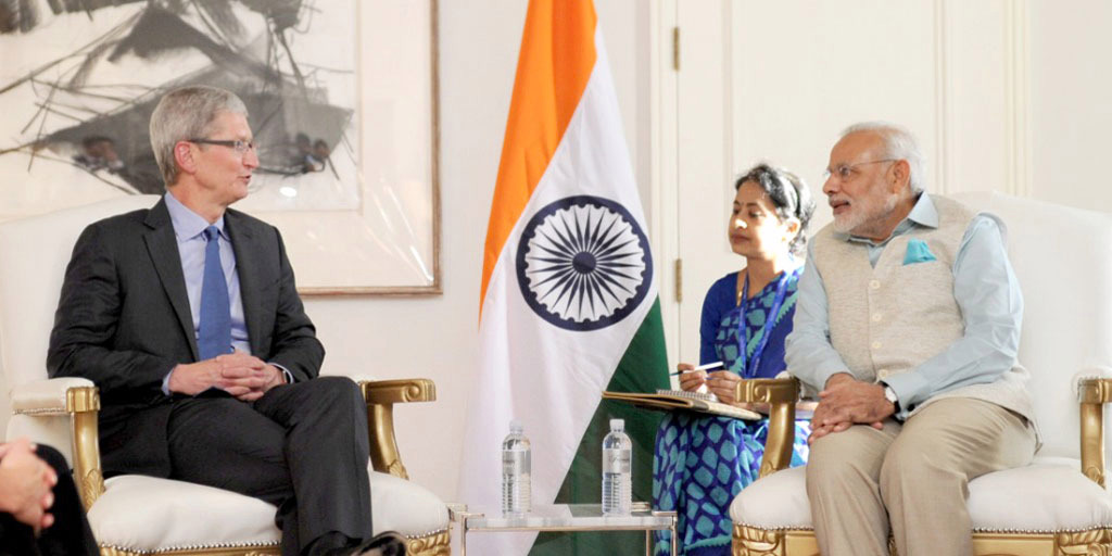 Tim Cook and Prime Minister Modi at their previous meeting in Silicon Valley
