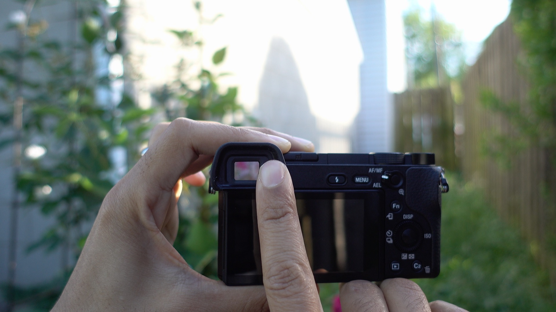 Hands-on: Sony's a6300 mirrorless camera makes a great 4K