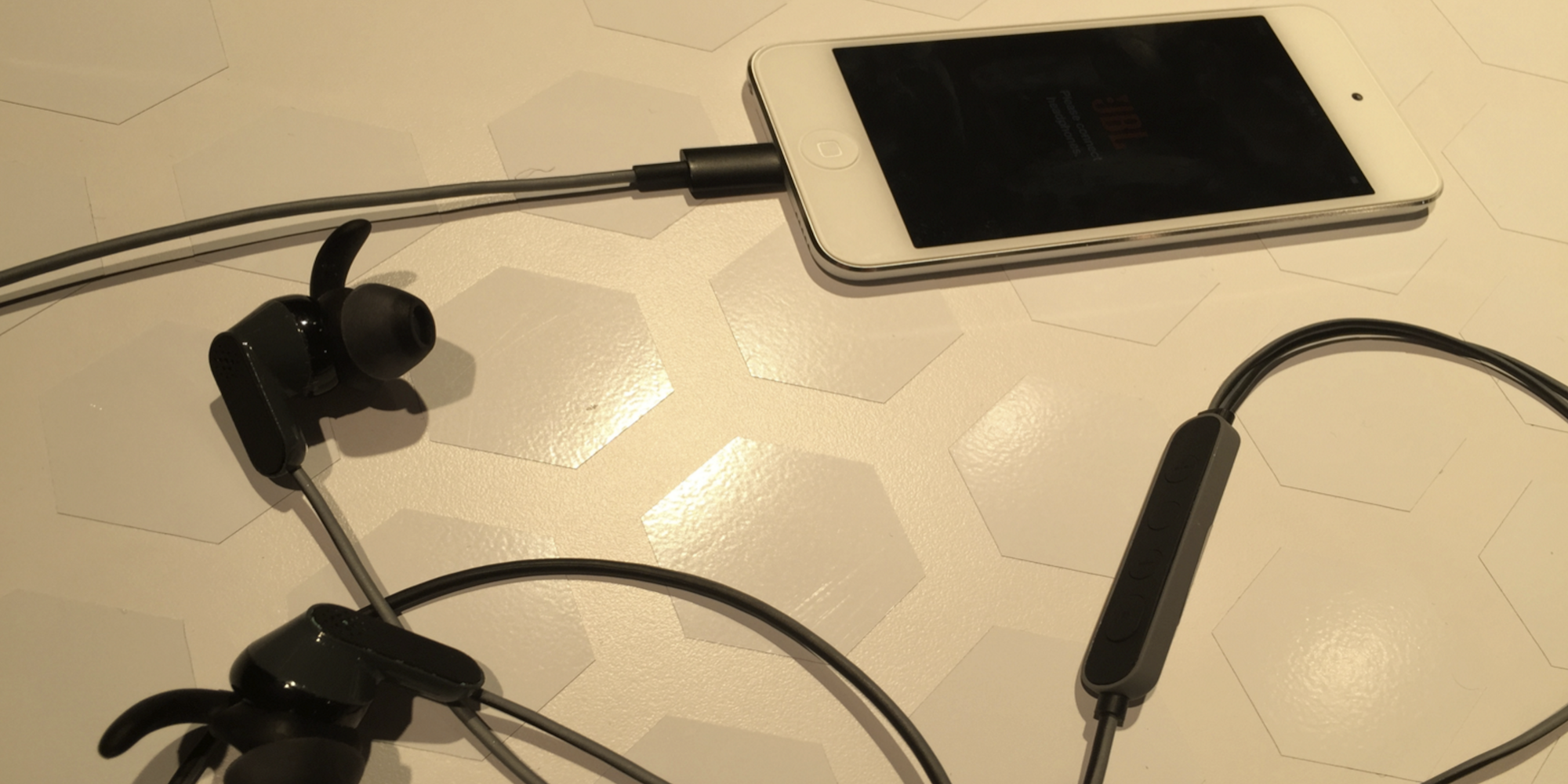 Lightning-Earpods-JBL-Reflect