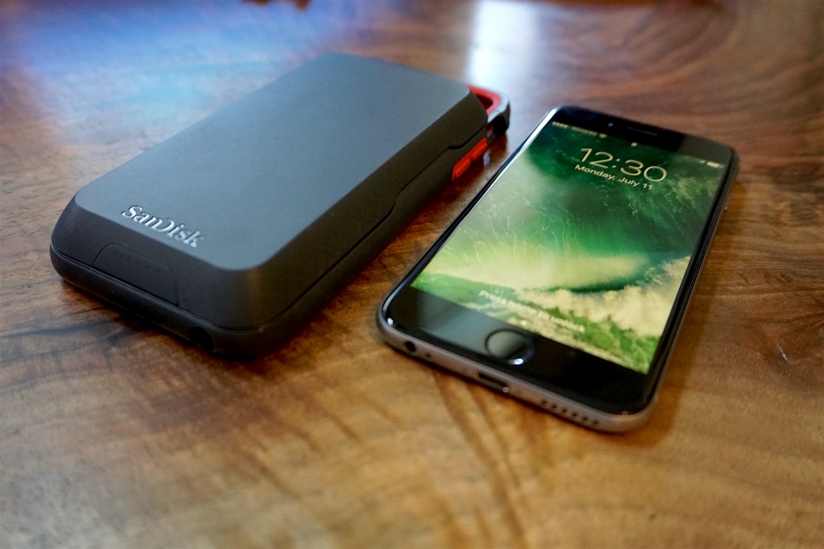 online store 99293 cd1f5 Review: SanDisk's iXpand Memory Case adds up to 128GB storage ...