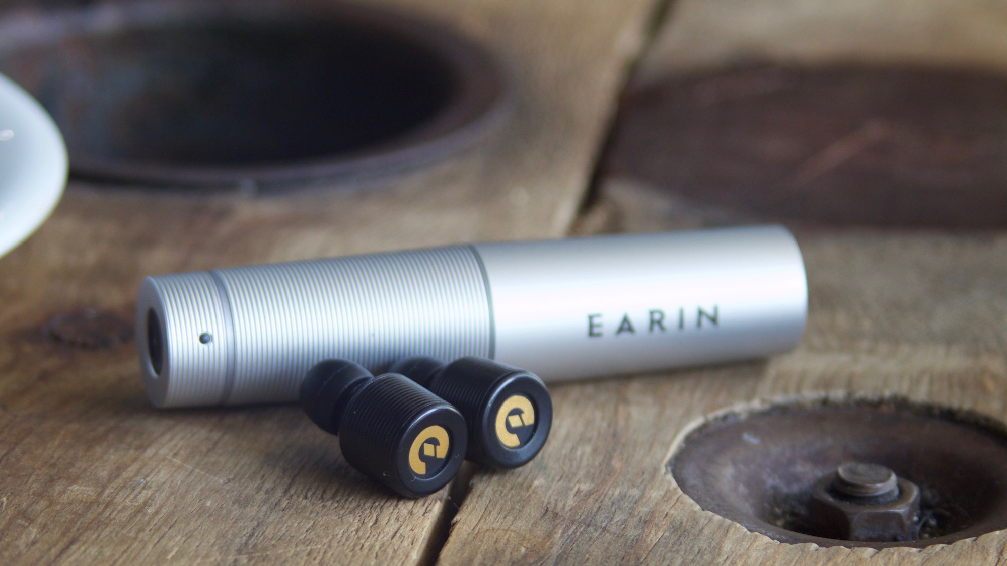 Earin true wireless earbud capsule w/ earbuds