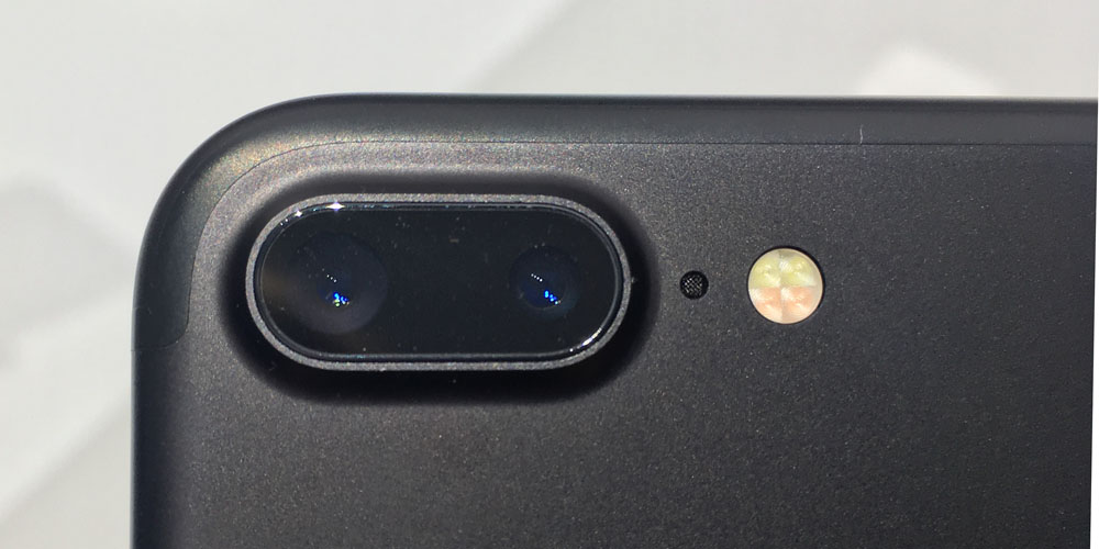 iphone7plus-dual-cameras-100681429-orig