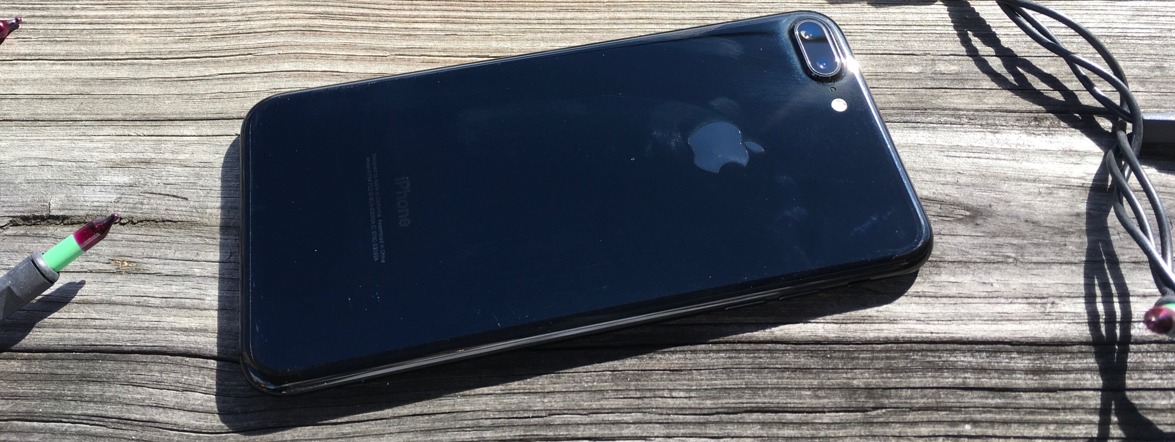 Here's how the jet black iPhone 7 finish holds up without a case ...