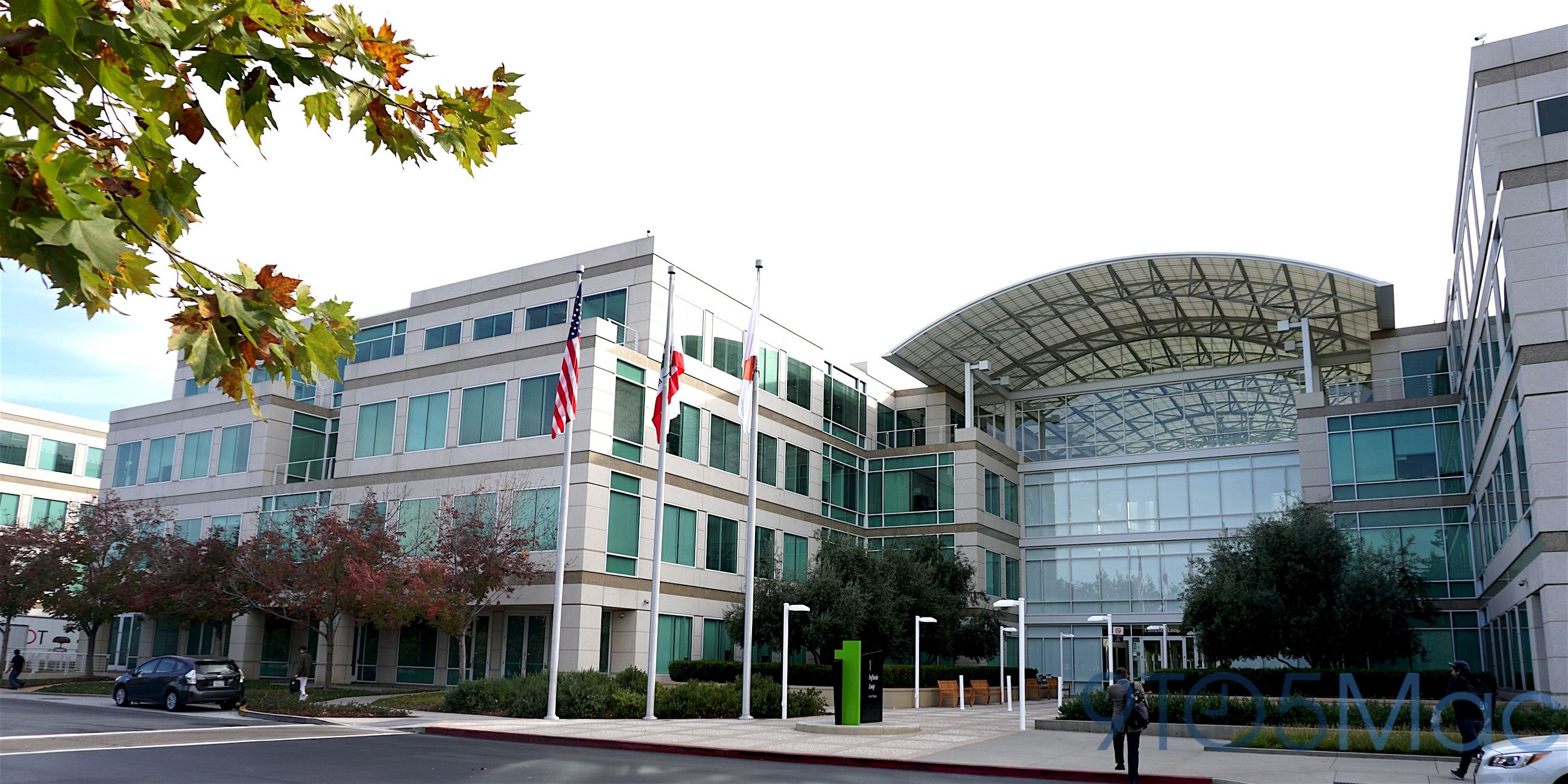 Tim Cook, Eddy Cue and others share memories of Steve Jobs, working at Infinite Loop, more