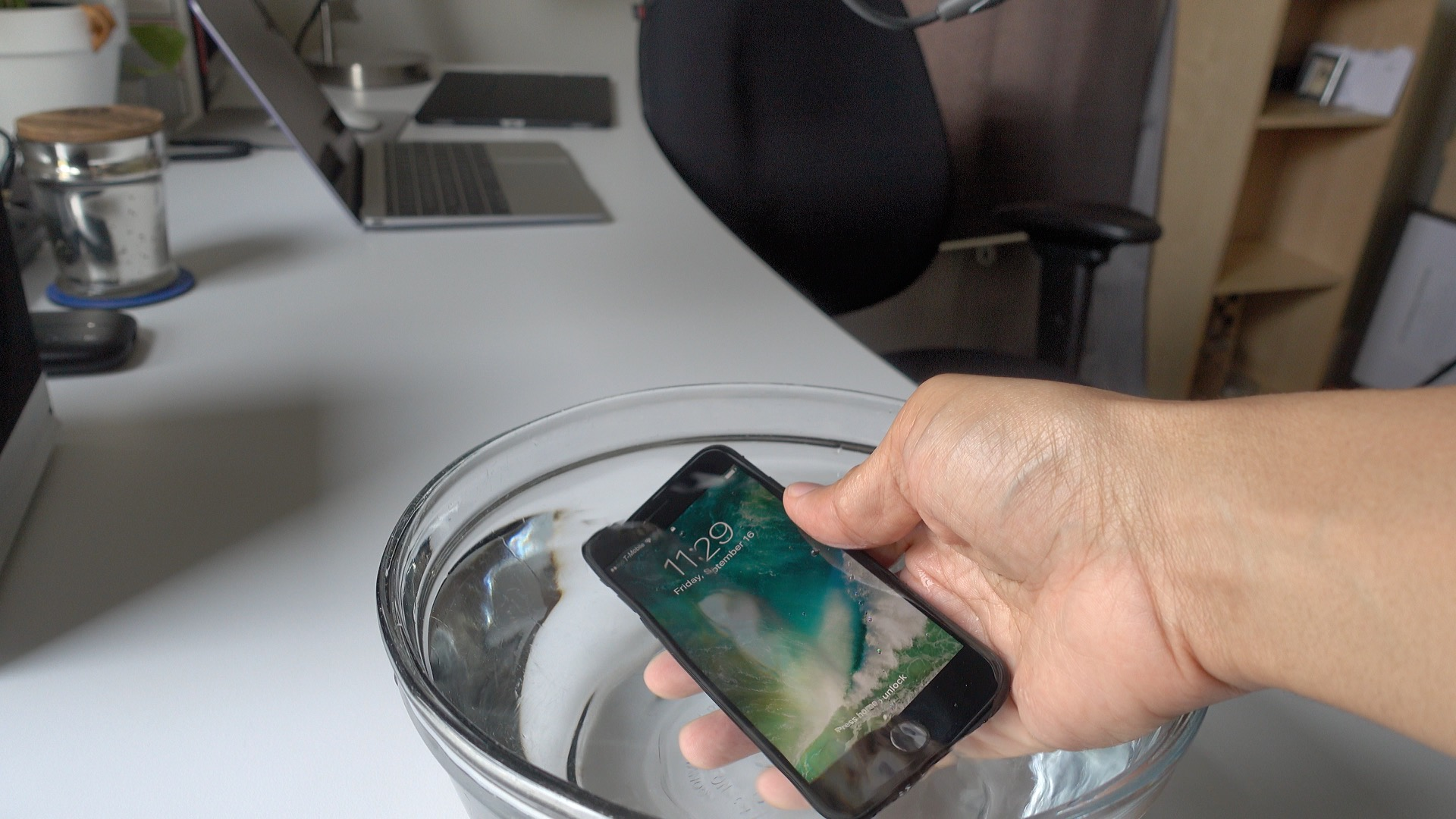 iphone-7-water-resistance-home-button