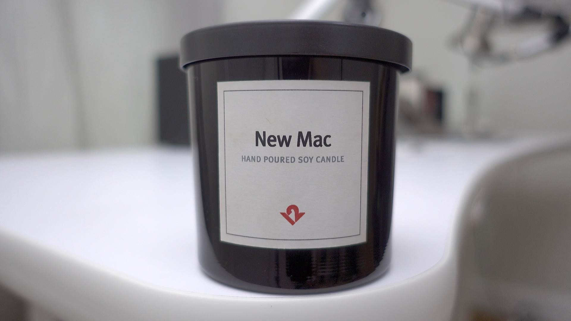 new-mac-candle-twelve-south-2
