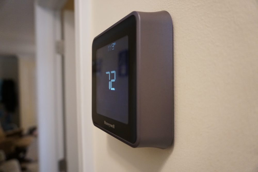 Review: Honeywell Lyric T5 brings HomeKit and touchscreen