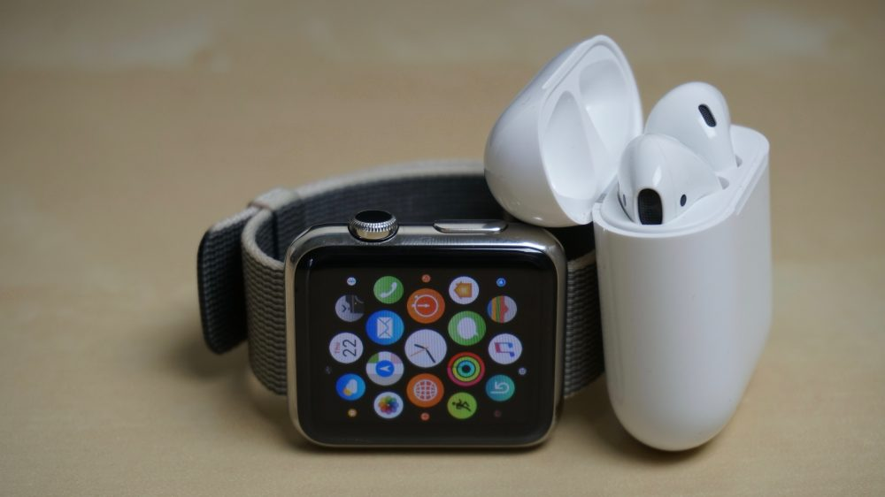 airpods-apple-watch