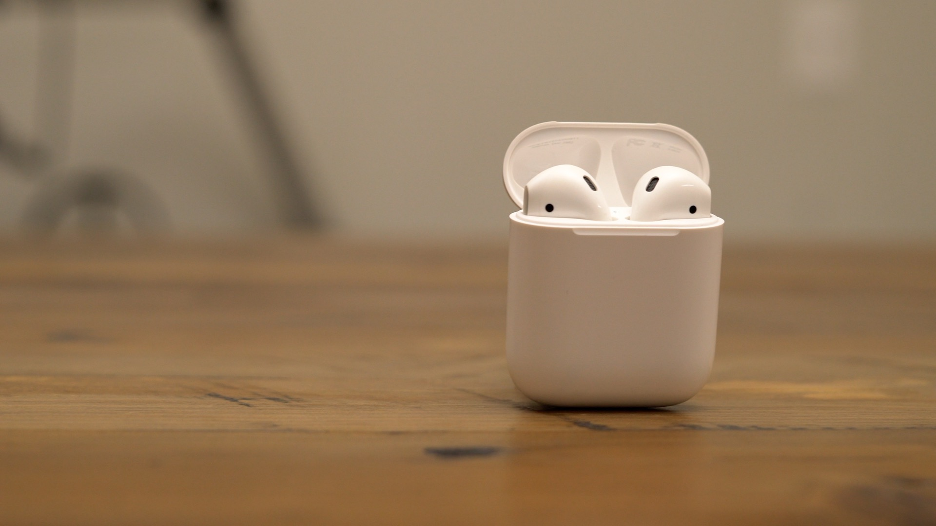 airpods-close-up