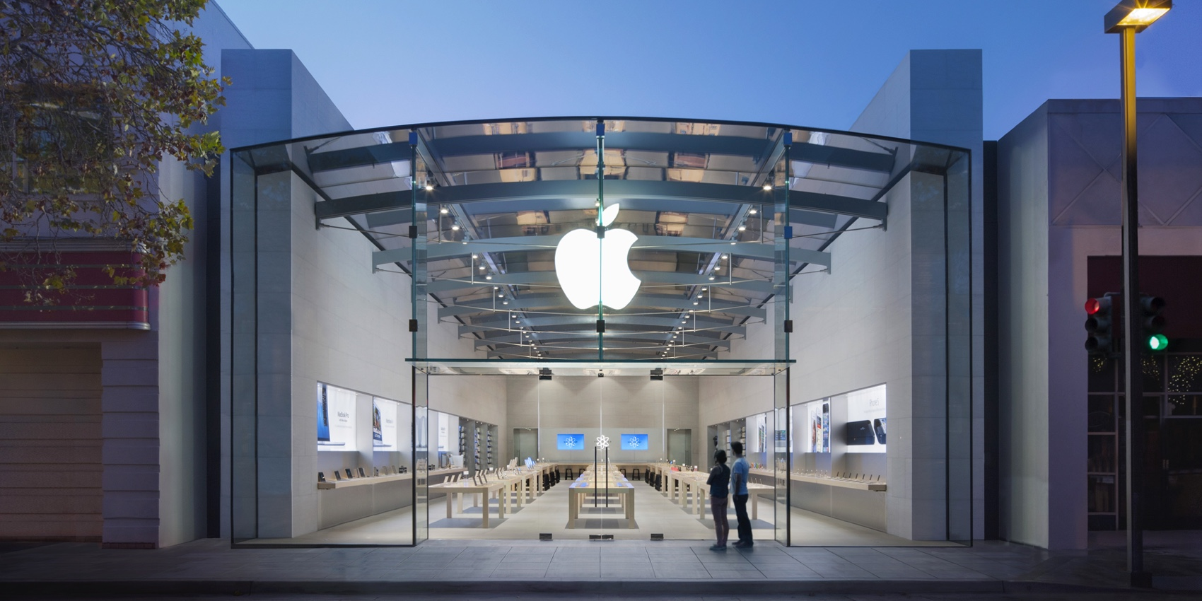 Apple named top-ranked retailer for focus on product & packaging safety