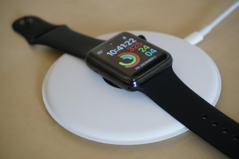 apple-watch-magnetic-charging-dock-2